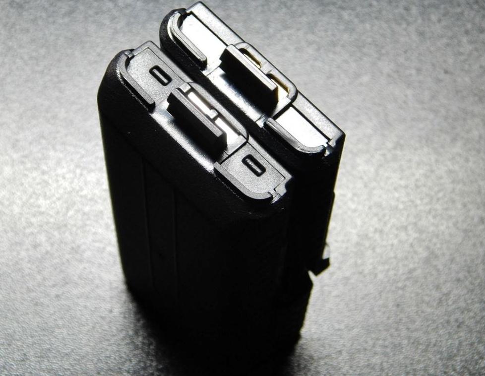Запасные батареи к рации