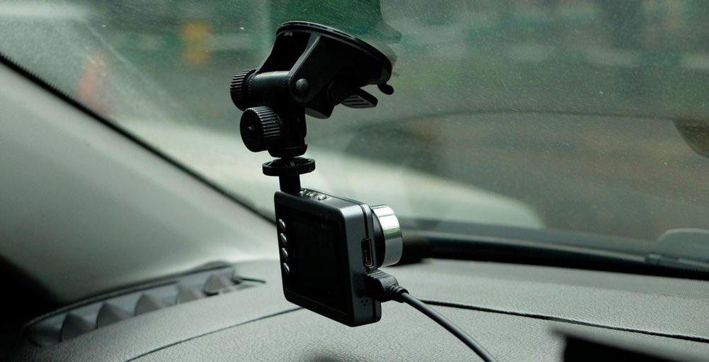 Видеорегистратор Globex в машине