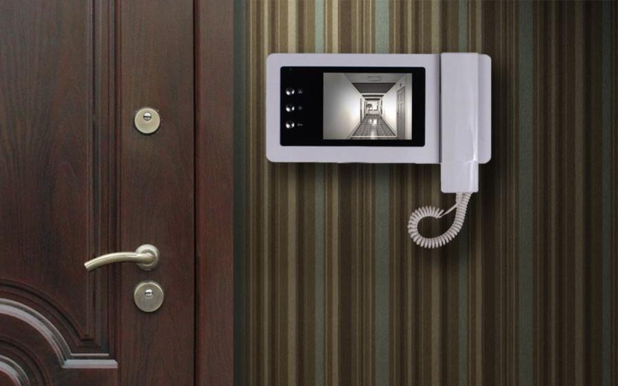 Белый видеодомофон с трубкой