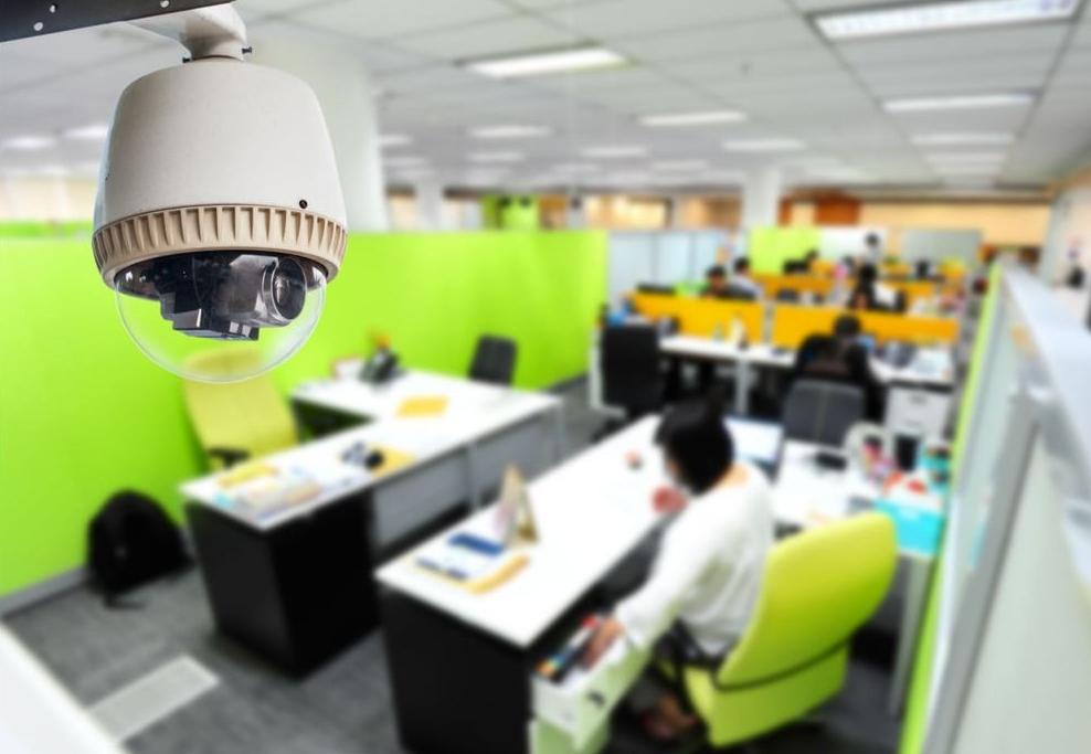 Комплект проводного видеонаблюдения в офисе