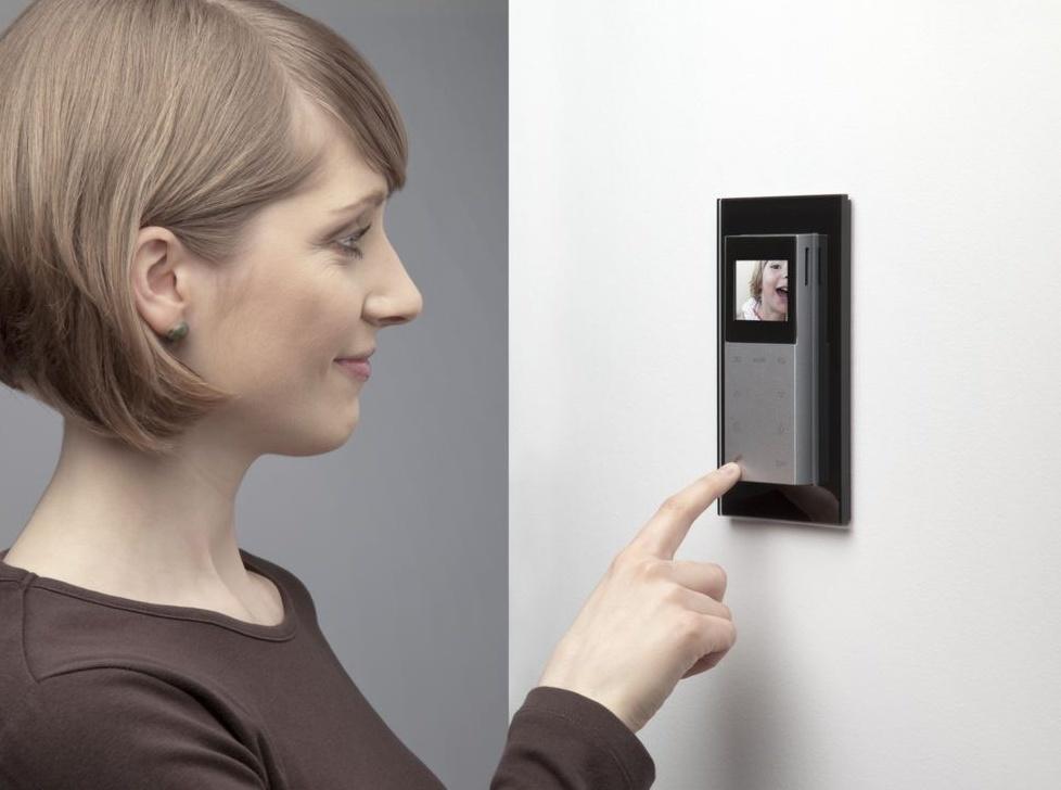 Цветной видеодомофон без ключа