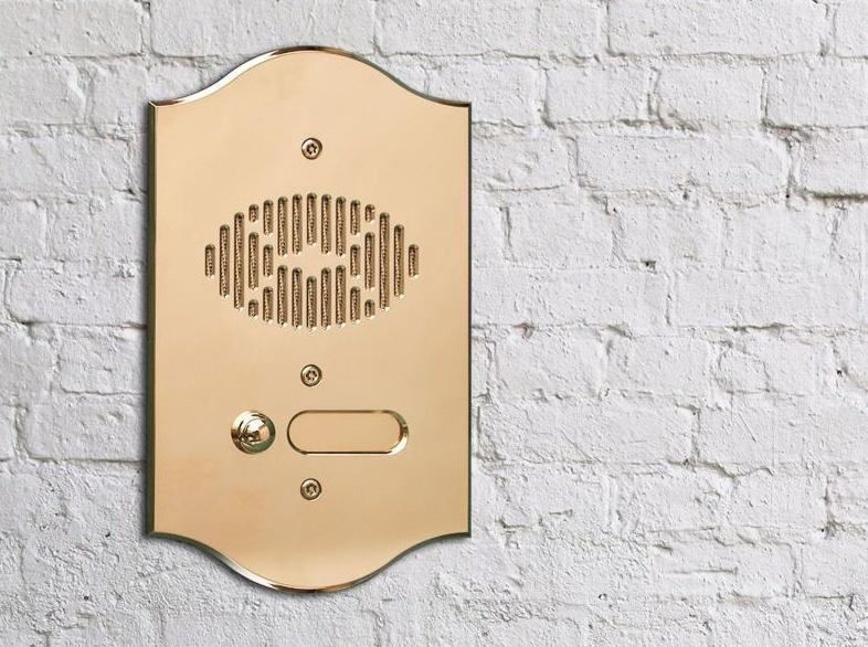 Золотистая вызывная панель выдеодомофона